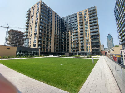 Garden_in_District_Griffin_235_Peel_Downtown_Montreal_Condos_for_sale